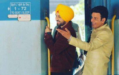 Diljit Dosanjh and Manoj Bajpayee shoot for Suraj Pe Mangal Bhari at crowded CSMT platform in Mumbai | Bollywood Life