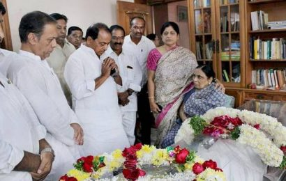 Civic reception turns condolence meet