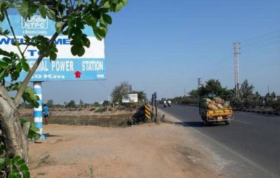 Absence of barricades at canals causing accidents
