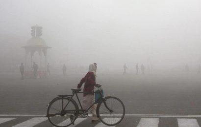 Delhi breathing foul air as major pollutants in 'poor' category