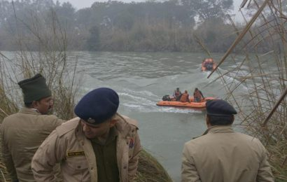 4 feared drowned as SUV plunges into canal in UP's Ghaziabad