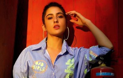 Sara Ali Khan says it would 'probably be better' if her boyfriend is not good-looking, Kareena Kapoor is surprised