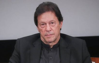 Imran Khan leaves for Malaysia to placate PM Mahathir for skipping key Islamic summit