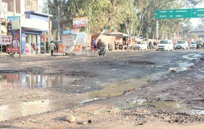 Roads cry for attention, Chandigarh Municipal Corporation just spent 26 per cent of funds on them
