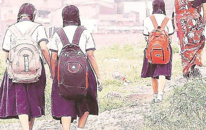UP: Probe ordered after video shows schoolkids 'pulling handcart' with grain sacks