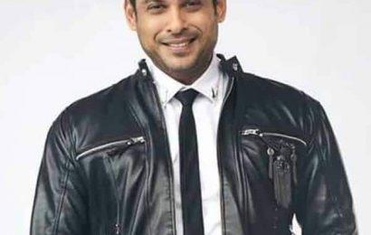 Bigg Boss 13 Winner: सिद्धार्थ शुक्ला के सिर पर सलमान खान ने सजाया जीत का ताज, प्राइजमनी में मिले 40 लाख रुपए