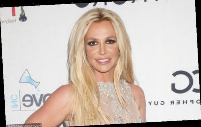 Britney Spears Trolled Over Her 'Old' Looks After Stepping Out Braless With Medical Boot