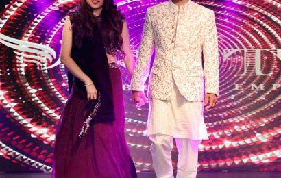 Pics: Singer Shaan walks the ramp with wife Radhika