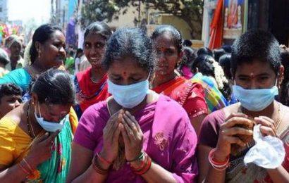 Coronavirus scare no deterrent for these devotees