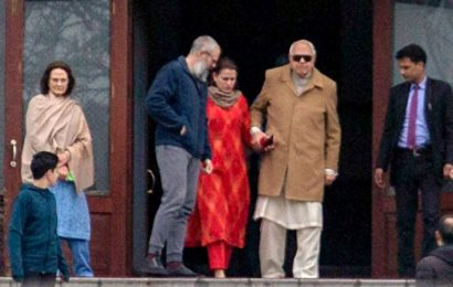 When Dr Abdullah met Mehbooba's family…