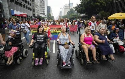 Brazil: Women in several cities march against Bolsonaro