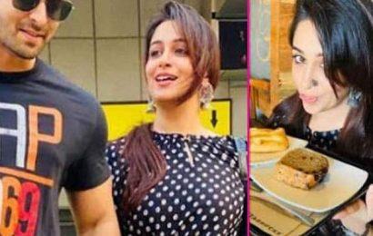 Kahaan Hum Kahaan Tum के आखिरी एपिसोड की शूटिंग खत्म होते ही पति Shoaib Ibrahim संग घूमने चली Dipika Kakar, रेस्टोरेंट पहुंचकर उठाया लजीज खाने का स्वाद