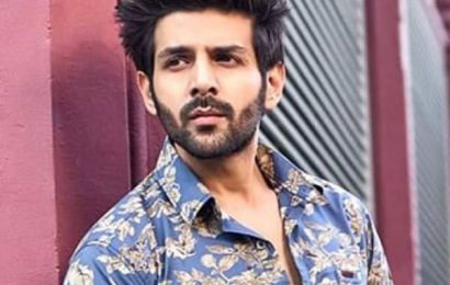 Kartik Aaryan has the best response to a fan who offers him Rs. 1 lakh to reply on Instagram | Bollywood Life