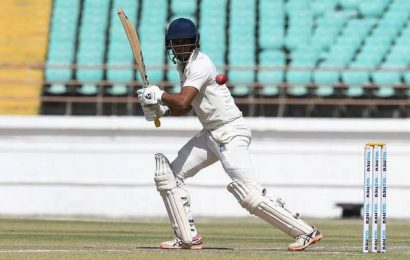 Chatterjee keeps Bengal afloat in tall pursuit