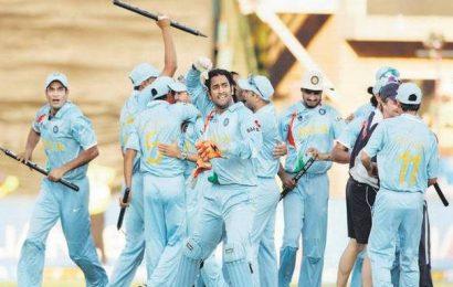 Dhoni has to show he deserves India spot: Raju