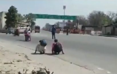 Video shows cop 'punishing' men for violating lockdown, UP Police apologises