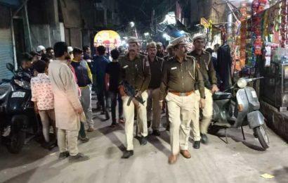 Two men held in Delhi for rumour-mongering, leaders file peace reports