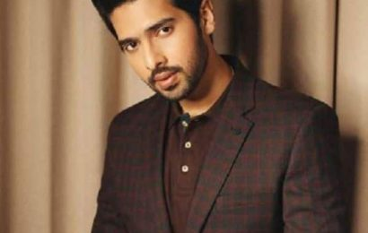 Armaan Malik deletes all his Instagram posts with a cryptic note, and we wonder what's happening? | Bollywood Life