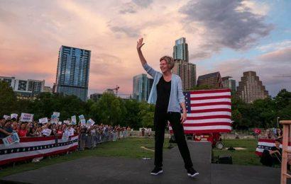 After mounting losses, Elizabeth Warren reviews her options