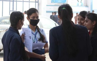 Covid- 19: CBSE asks invigilators to use face masks, have adequate distance between students