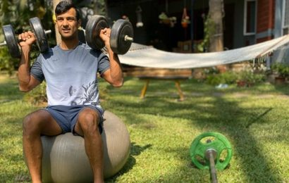 'Stay indoors and stay fit': Mayank Agarwal, R Sridhar give fitness goals from home