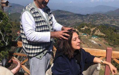 Coronavirus Pandemic: Neena Gupta enjoys her quarantine period as she gets a head massage from husband Vivek Mehra | Bollywood Life