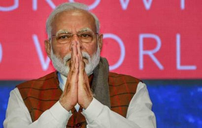 PM Modi hands over FB, Twitter, YouTube, Instagram accounts to 7 achievers