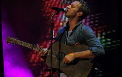Coldplay's Chris Martin Covers Bob Dylan For 'SNL At Home'