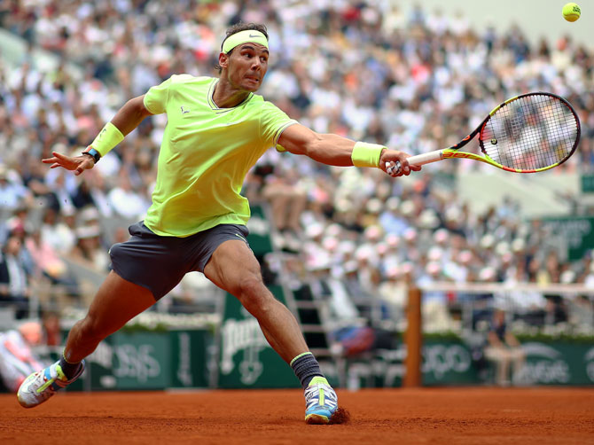 Contador, Nadal auction memorabilia for Spanish Red Cross