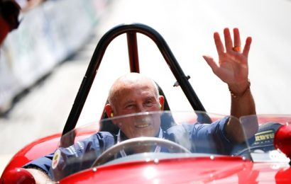 British great Stirling Moss dies at 90 after long illness