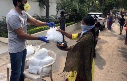 Gopichand Helps 1000 Poor Families