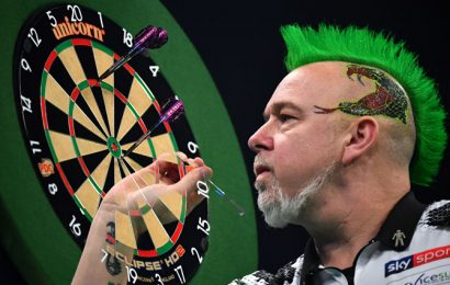 Darts Home Tour proves a hit despite blurred images and dodgy WiFi