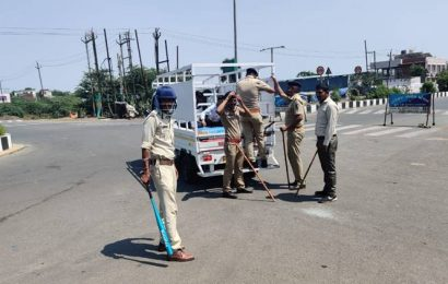 Kutch district magistrate prohibits movement of vehicles during 'curfew hours' in 6 towns