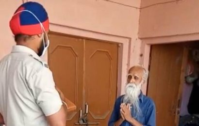 Punjab: Cops lend a helping hand to seniors in lockdown, visit them at village homes, deliver needs