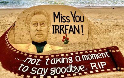 Sand artist Sudarsan Pattnaik pays tribute to Irrfan Khan