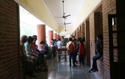 Delhi University admissions put on hold till April 14