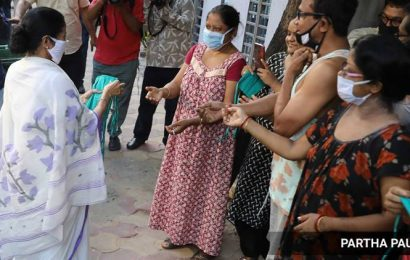 Centre sending faulty Covid-19 testing kits, alleges Mamata Banerjee