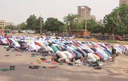 One held, dozen booked in Noida for group namaaz despite COVID-19 lockdown