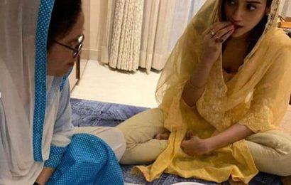 बंगाली अभिनेत्री Nusrat Jahan ने मां के साथ की इफ्तारी, लॉकडाउन के बीच ऐसे मना रही हैं रमजान
