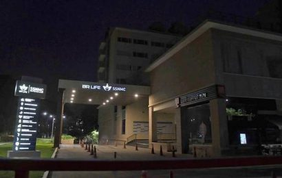 Staff of hospital run by B.R. Shetty's firm allege they were told to resign