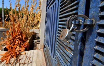 Police lock houses at RR Venkatapuram to prevent thefts