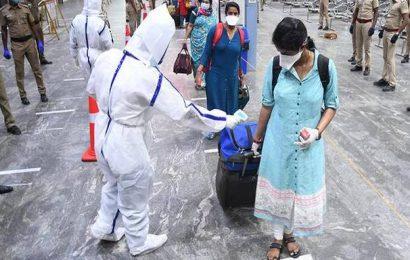 Coronavirus   706 passengers arrive at Central from Delhi