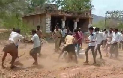 Eight injured as rival YSRCP groups clash in Kadapa