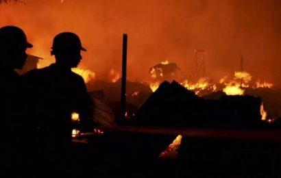 Fireman trapped, injured in Delhi market blaze