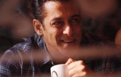 Salman Khan donates 1 lakh hand sanitisers to Mumbai Police
