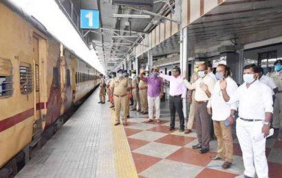 Special train to Bihar departs from Tiruchi