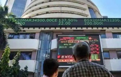 Sensex at around 31,000, Nifty hovers 9,120; auto, banks drag