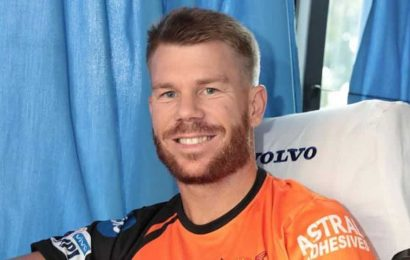 Watch: David Warner's 'disappearing act' will leave you puzzled