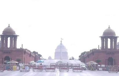 Parts of Delhi receive light rainfall, temperature set to come down