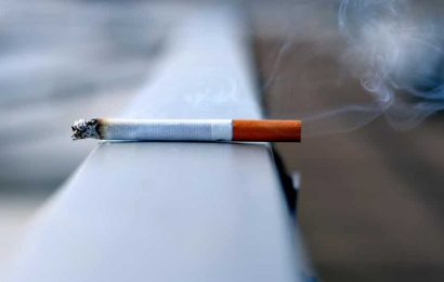 Smoking during pregnancy poses risks for the mother and foetus. Here are 5 dangers of smoking while pregnant